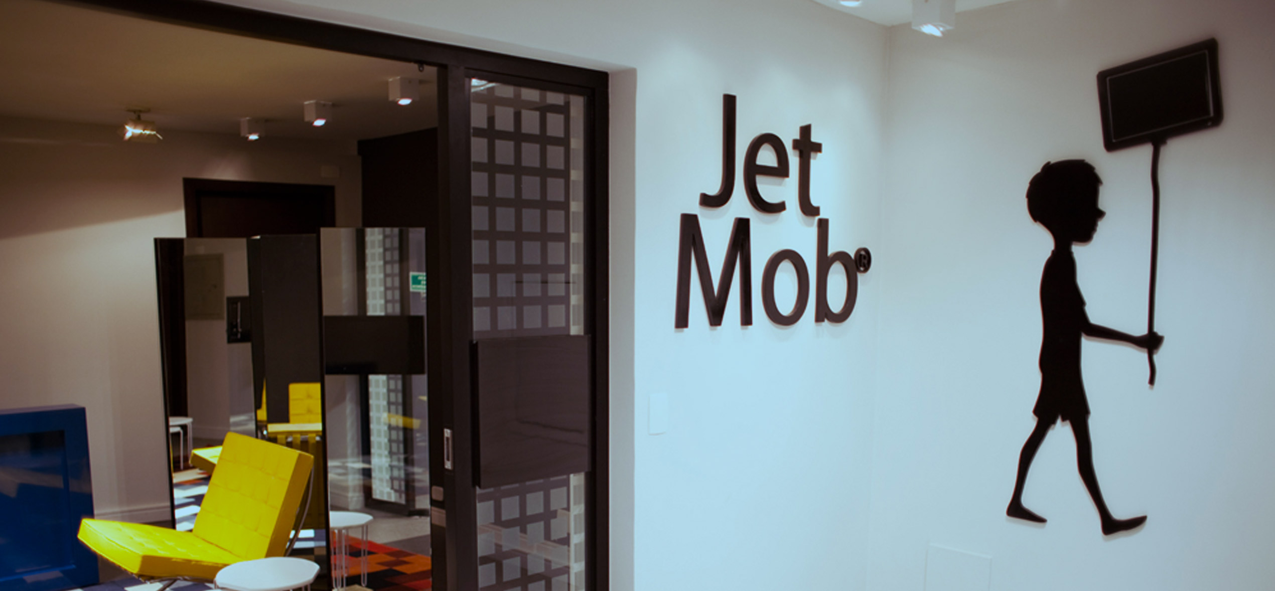 Jet Mob - Mídias Digitais Out of Home